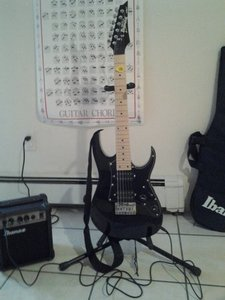 ibanez compact guitar